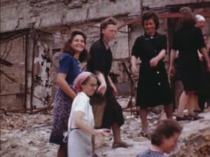 Smiling despite the hard work - Berlin 1945